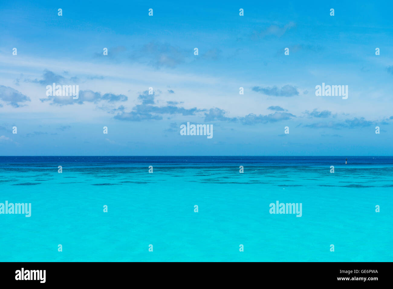 Azure ocean view from Whale Bay Park, Southampton Parish, Bermuda. - Stock Image