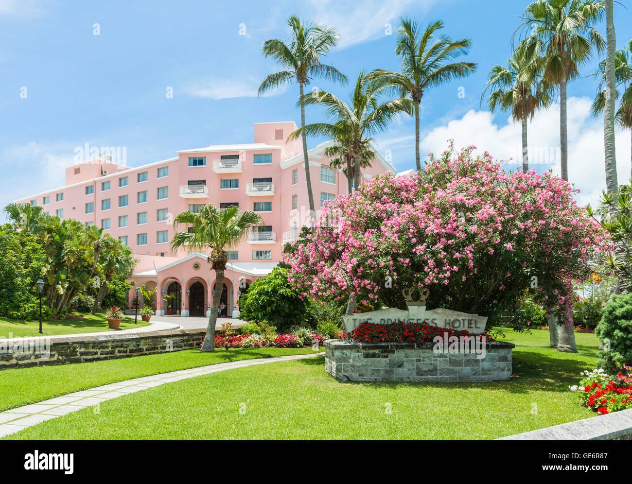 The Hamilton Princess Hotel and Beach Club, a Fairmont luxury resort hotel in Hamilton, Bermuda - Stock Image