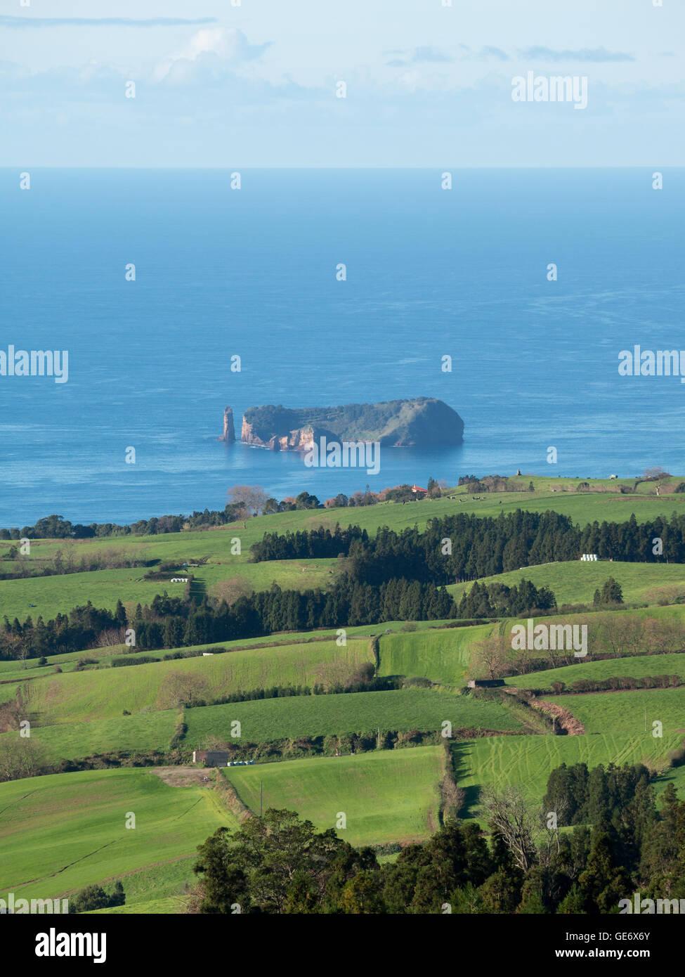 Vola Franca islet by São Miguel green landscape - Stock Image