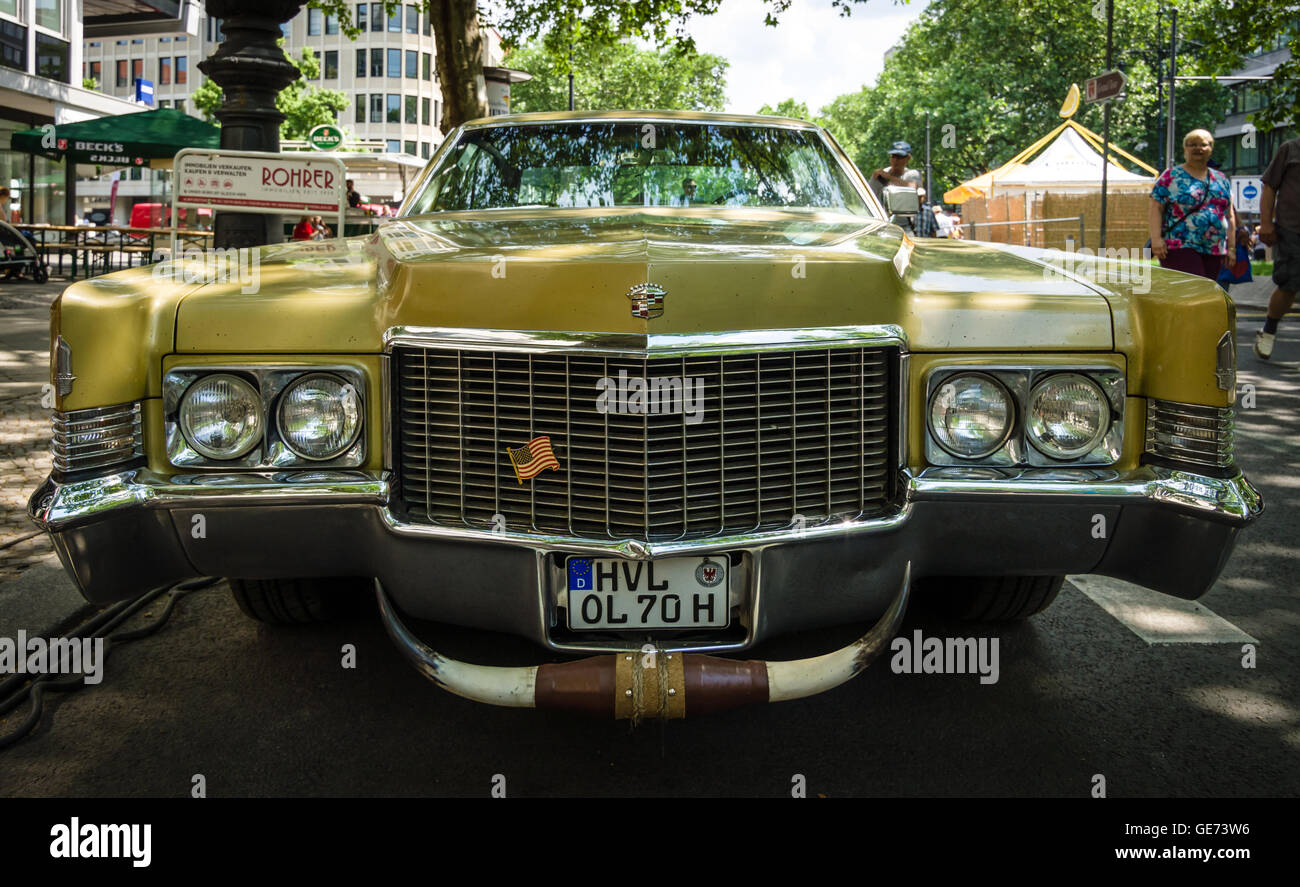 BERLIN - JUNE 05, 2016: Full-size luxury car Cadillac ...