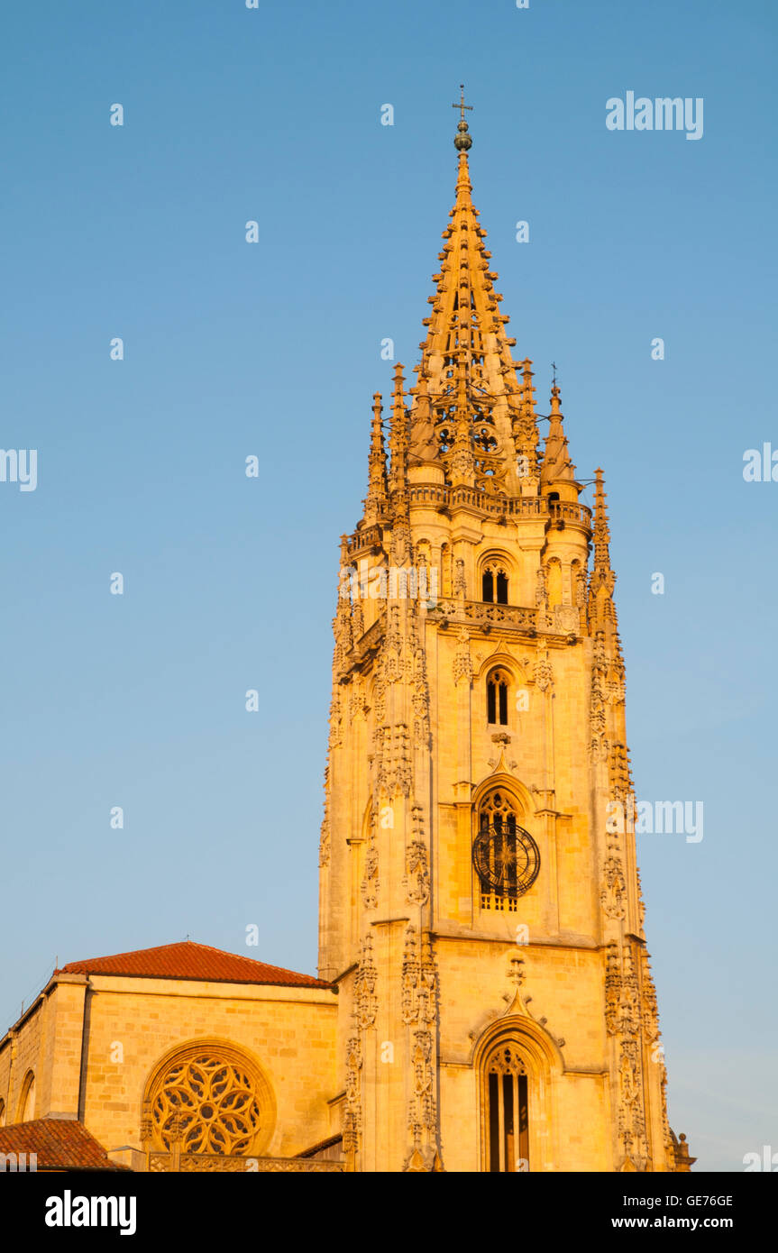 Tower of the cathedral at dusk. Oviedo, Spain. - Stock Image