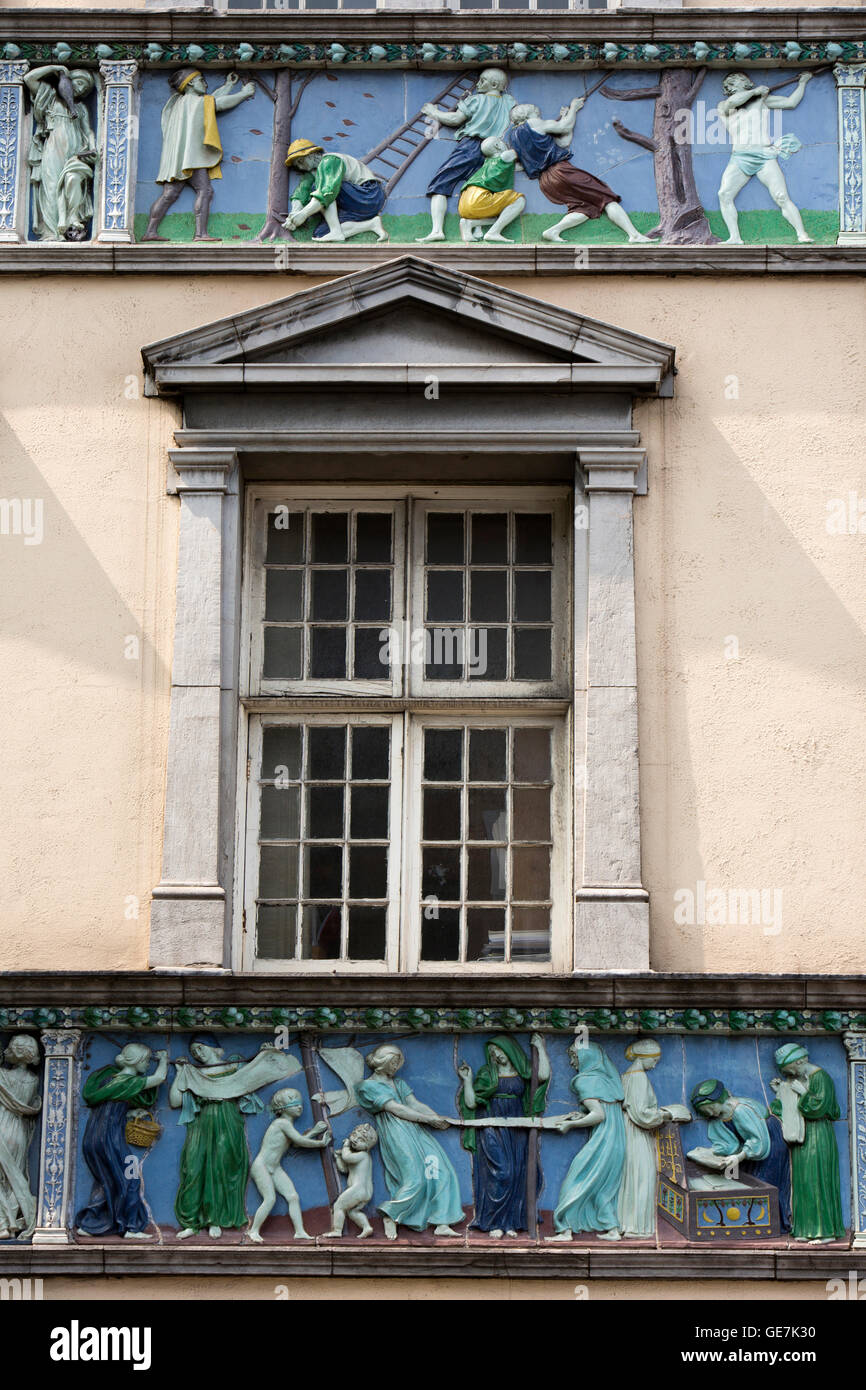 Ireland, Dublin, Temple Bar, Parliament Street, Sunlight Chambers, ceramic frieze Stock Photo