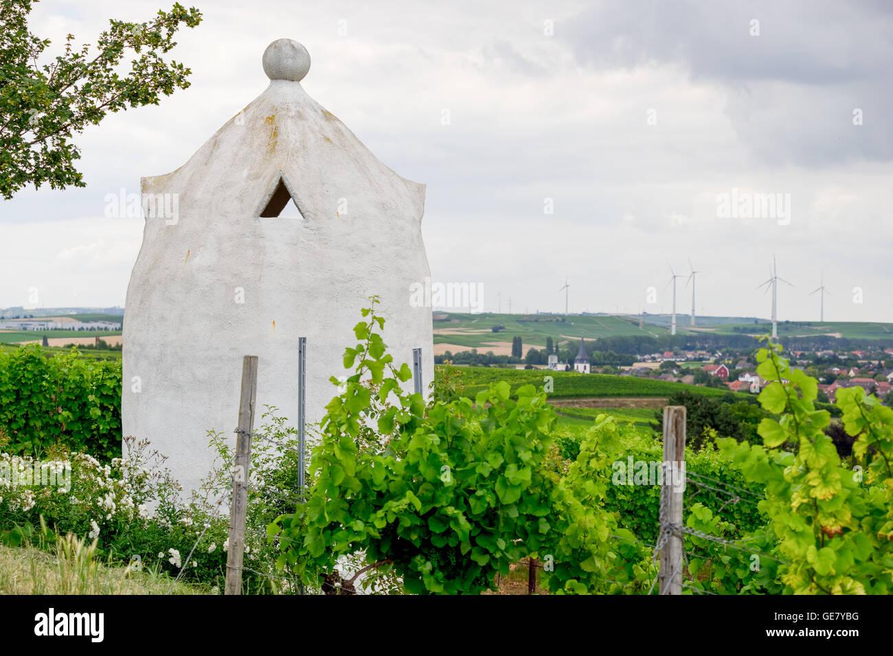 Vineyard shelter in the style of an Italian Trullo in Rheinhessen, Germany, Rhine-Hesse. - Stock Image