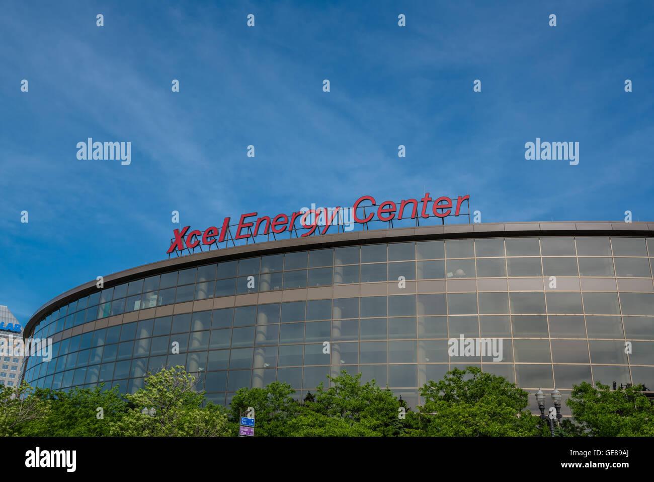 Xcel Energy Center Stock Photo: 112050362 - Alamy