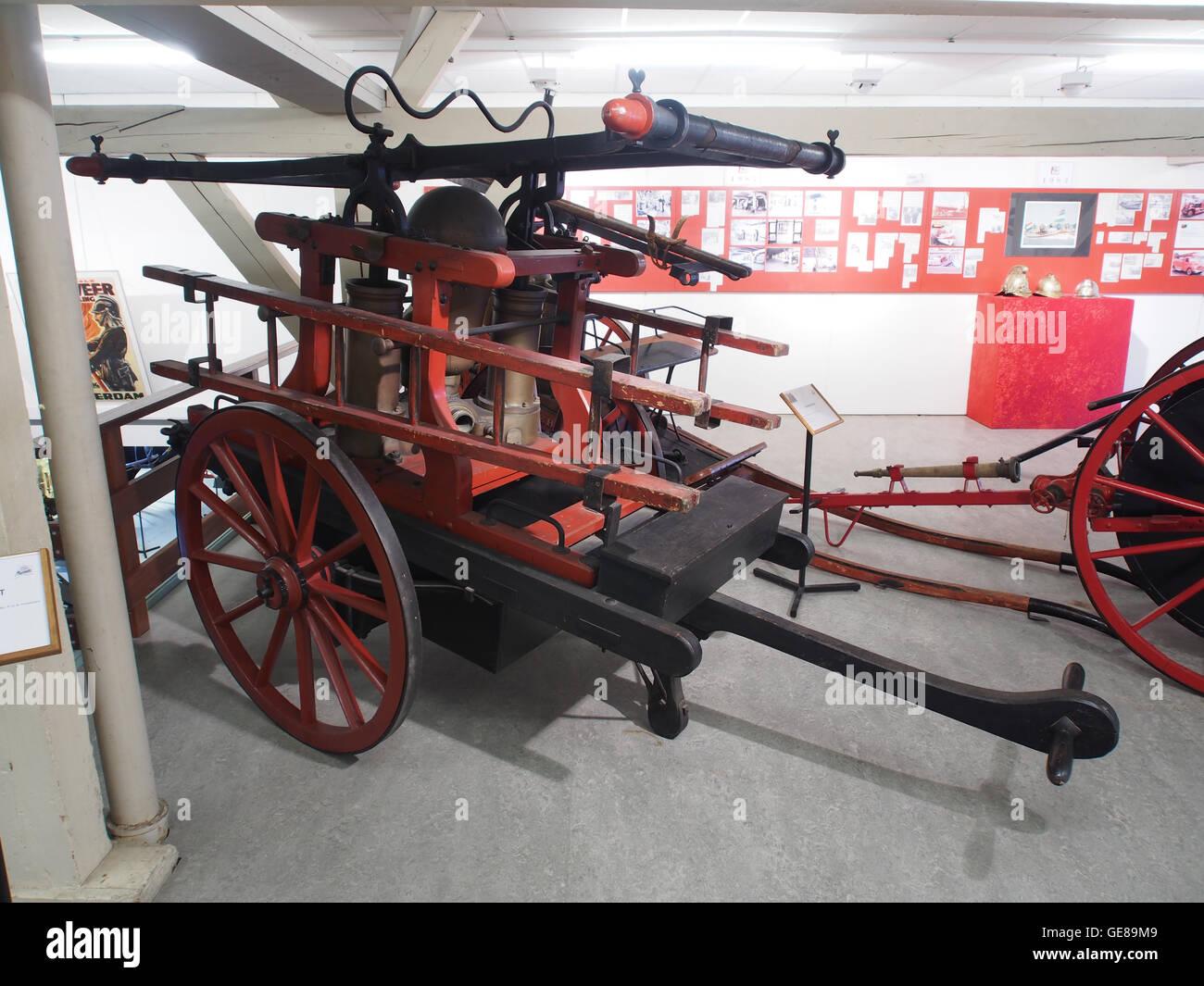 1870 Koninklijke Brandspuitenfabriek Belder & Co Handbrandspuit-001 - Stock Image