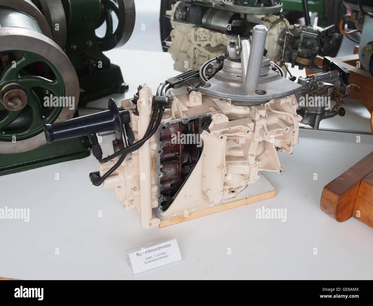 2 takt 2 cylinder buitenboordmotor - Stock Image