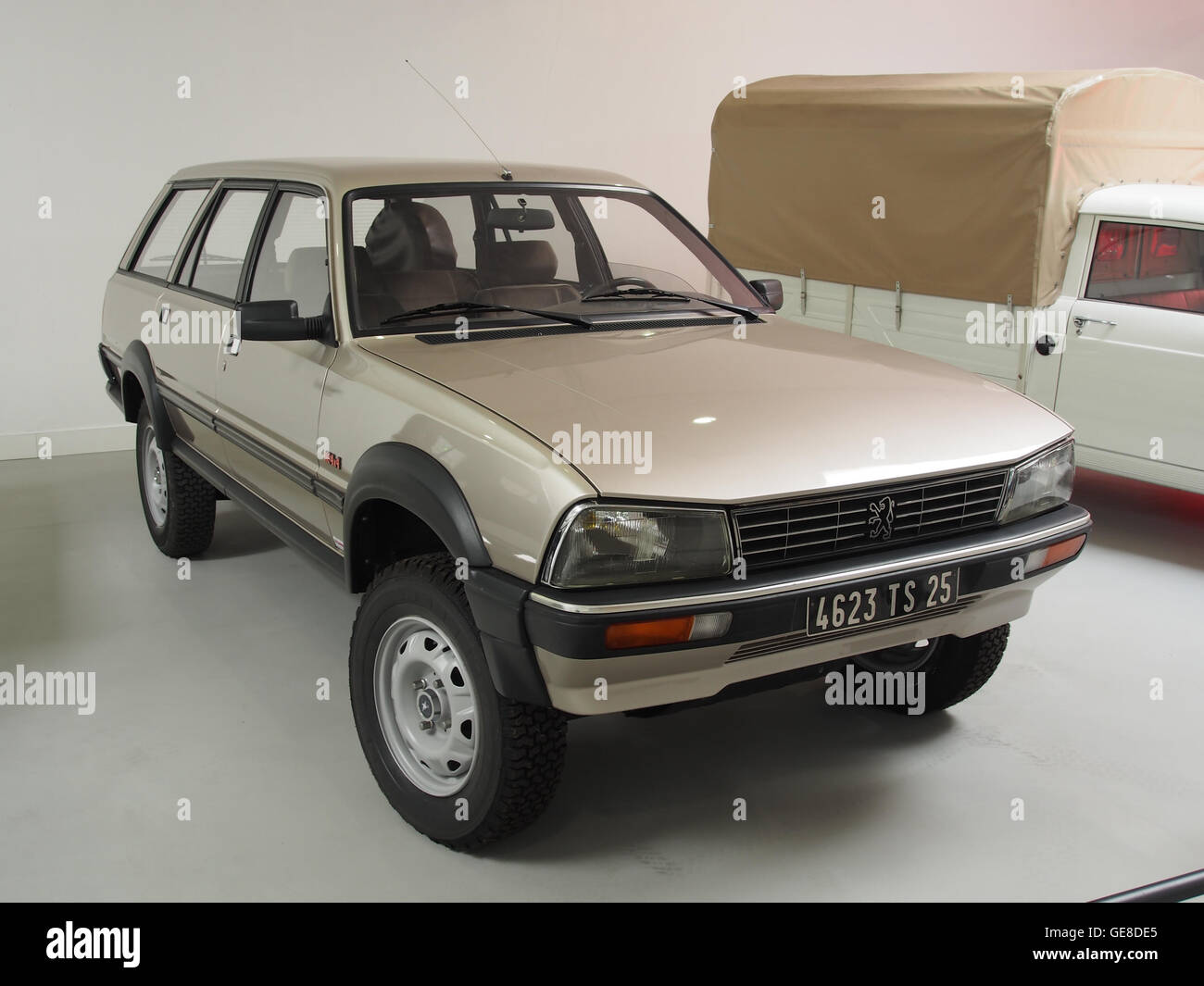 Peugeot 505 4x4 Dangel photo 2 - Stock Image