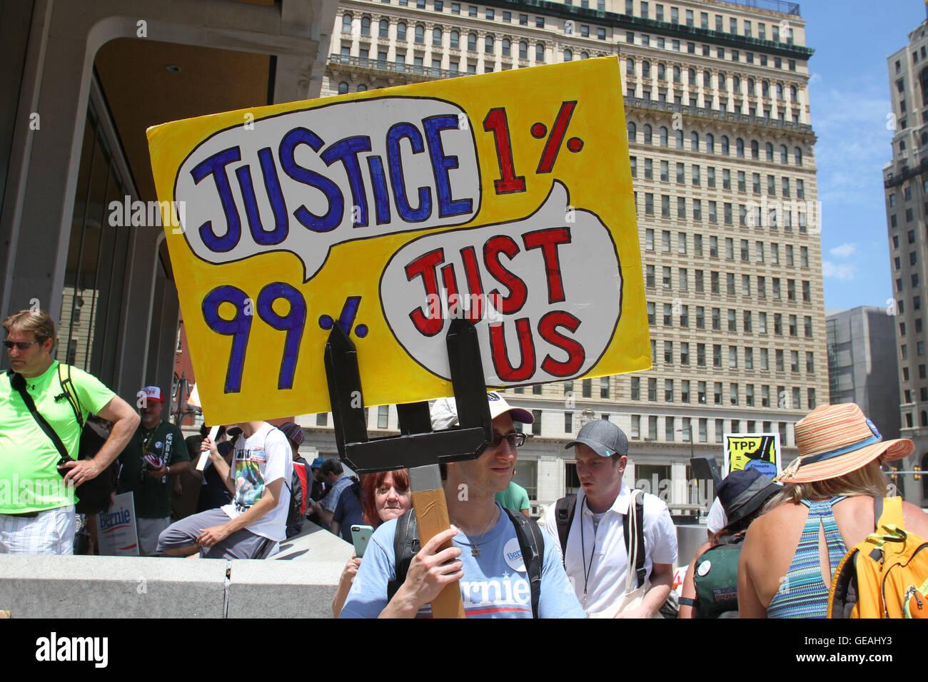 Philadelphia, Pennsylvania, USA. 24th July, 2016.  5000 protesters march around City Hall and downtown Philadelphia. Stock Photo