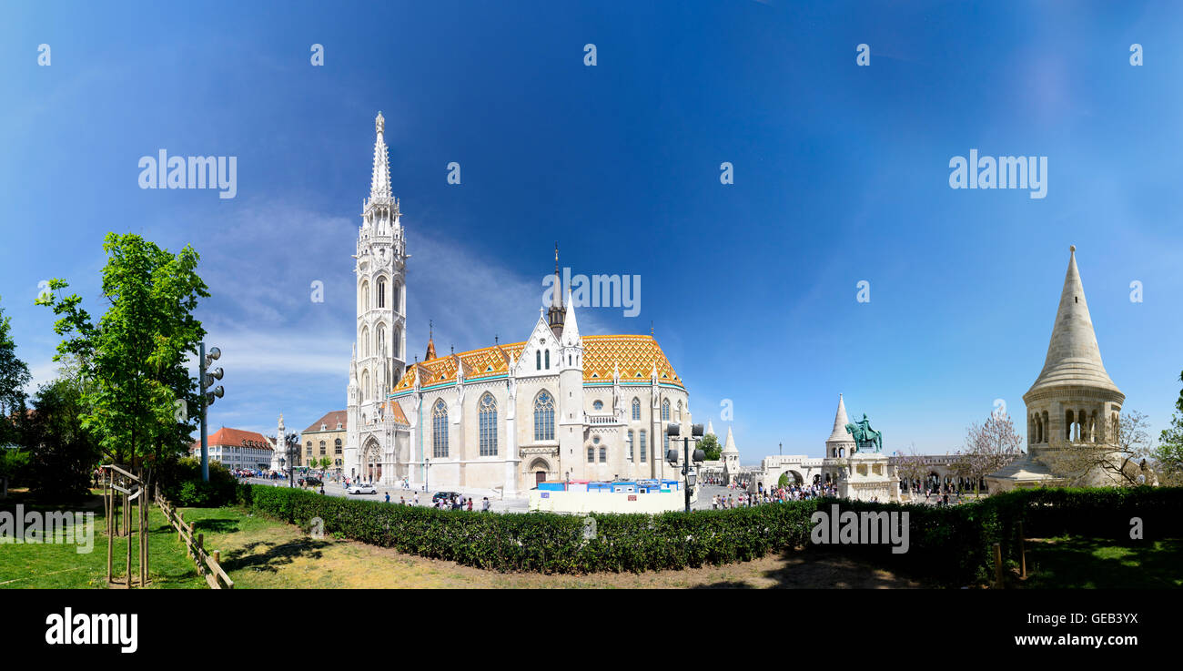 Budapest: Matthias Church , Fisherman's Bastion and equestrian statue of St . Stephan, Hungary, Budapest, Stock Photo