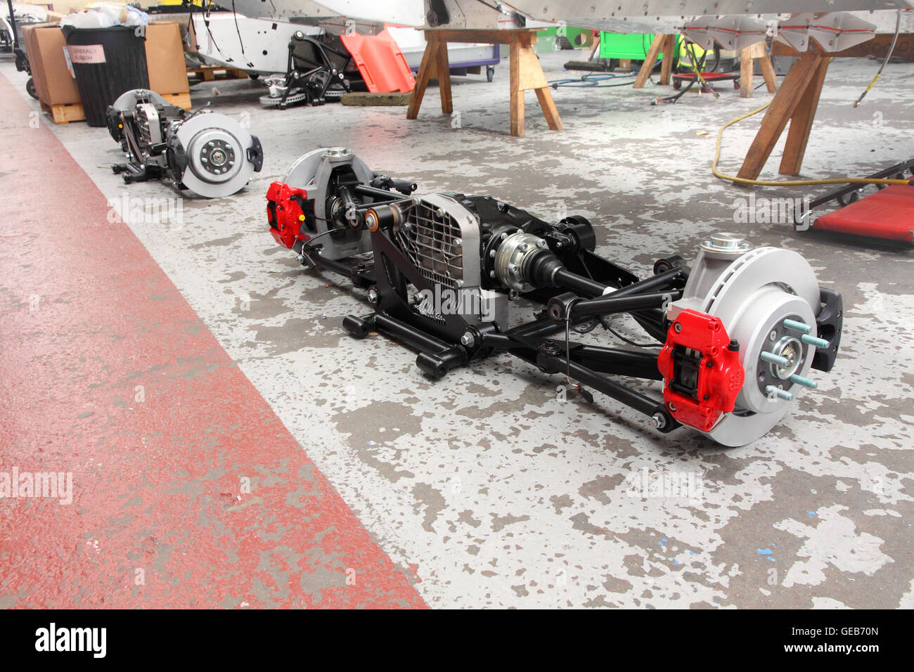 Rear axle assemblies ready to be fitted to Aero 8 models at Morgan's Malvern factory, England. - Stock Image