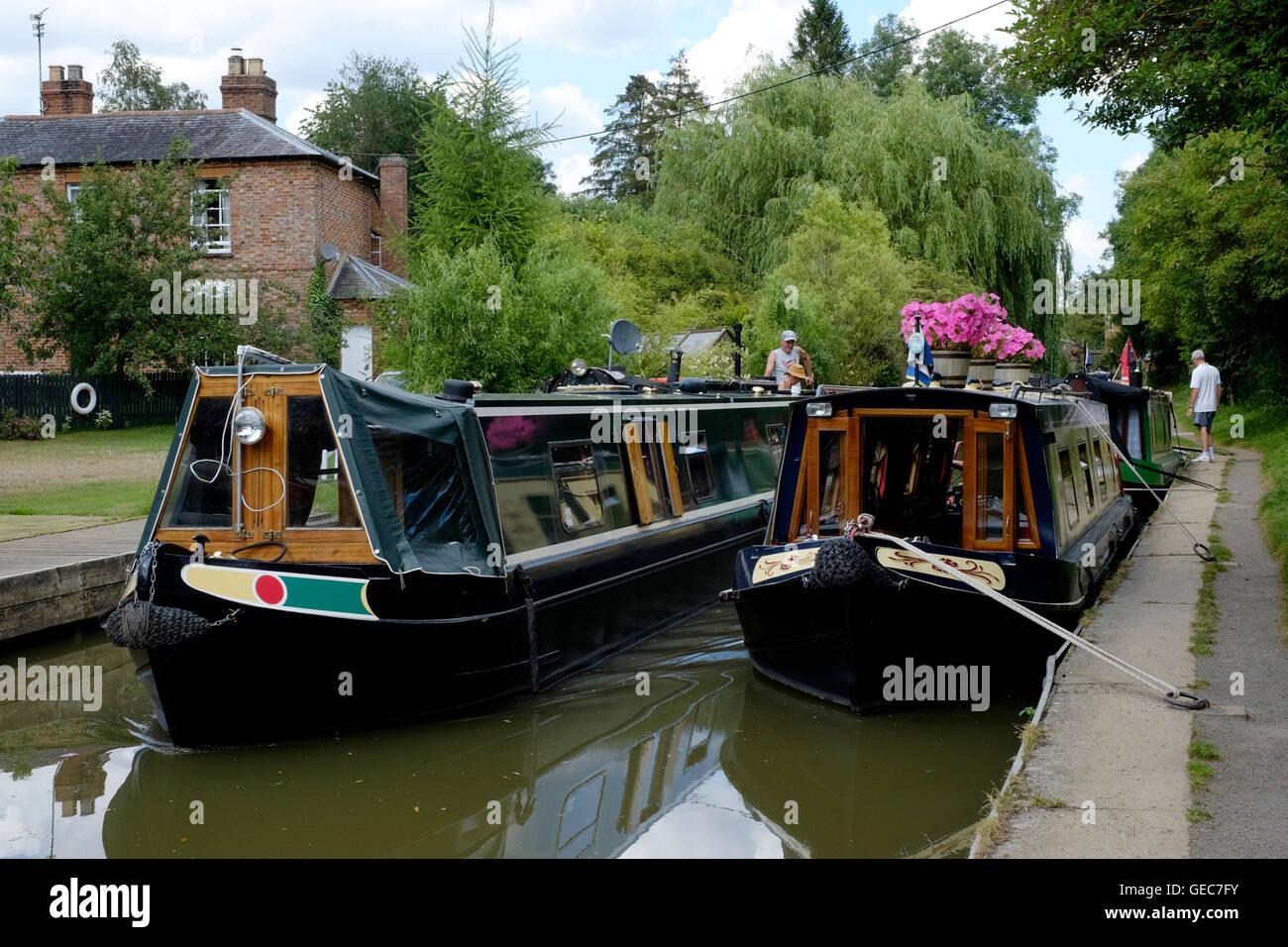 narrow boats on the oxford canal at cropredy near banbury england uk - Stock Image