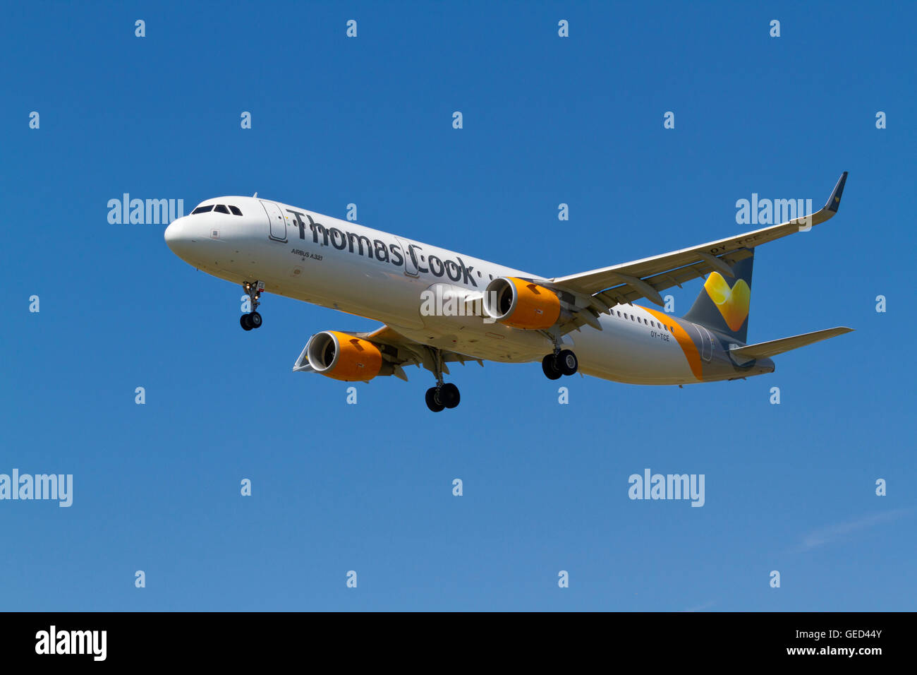 Thomas Cook Scandinavia, Airbus A321, flight DK412, OY-TCE, from Dalaman, Turkey,  on final approach to Copenhagen - Stock Image