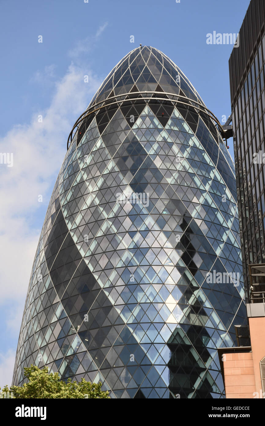 30 St Mary Axe, aka The Gherkin or The Swiss Re building, City of London, UK July 2016 - Stock Image