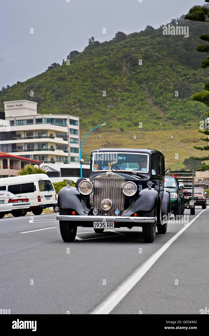 geography / travel, New Zealand, North Island, 1935 Rolls Royce being driven along the waterfront in Mt Maunganui, Stock Photo