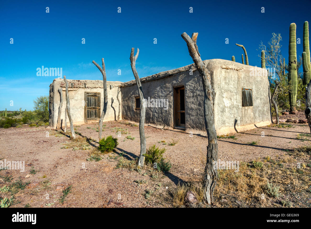 Dos lomitas ranch adobe building sonoran desert organ for Building an adobe house