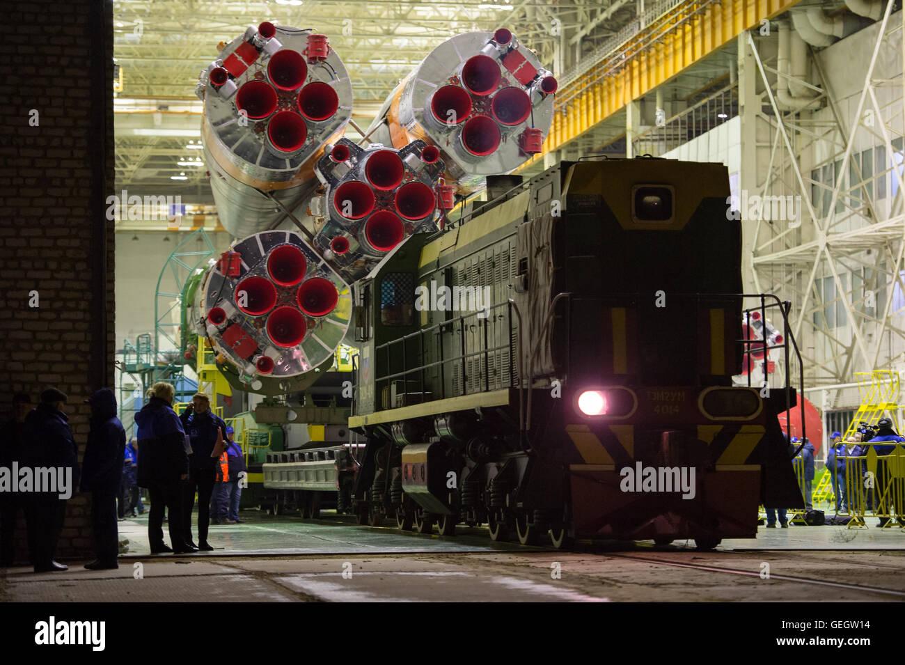 Exp 47 Soyuz Rollout  03160002 Stock Photo