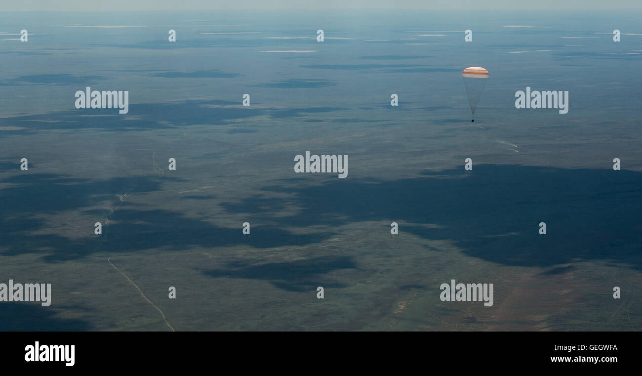 Expedition 47 Soyuz TMA-19M Landing  06180020 - Stock Image