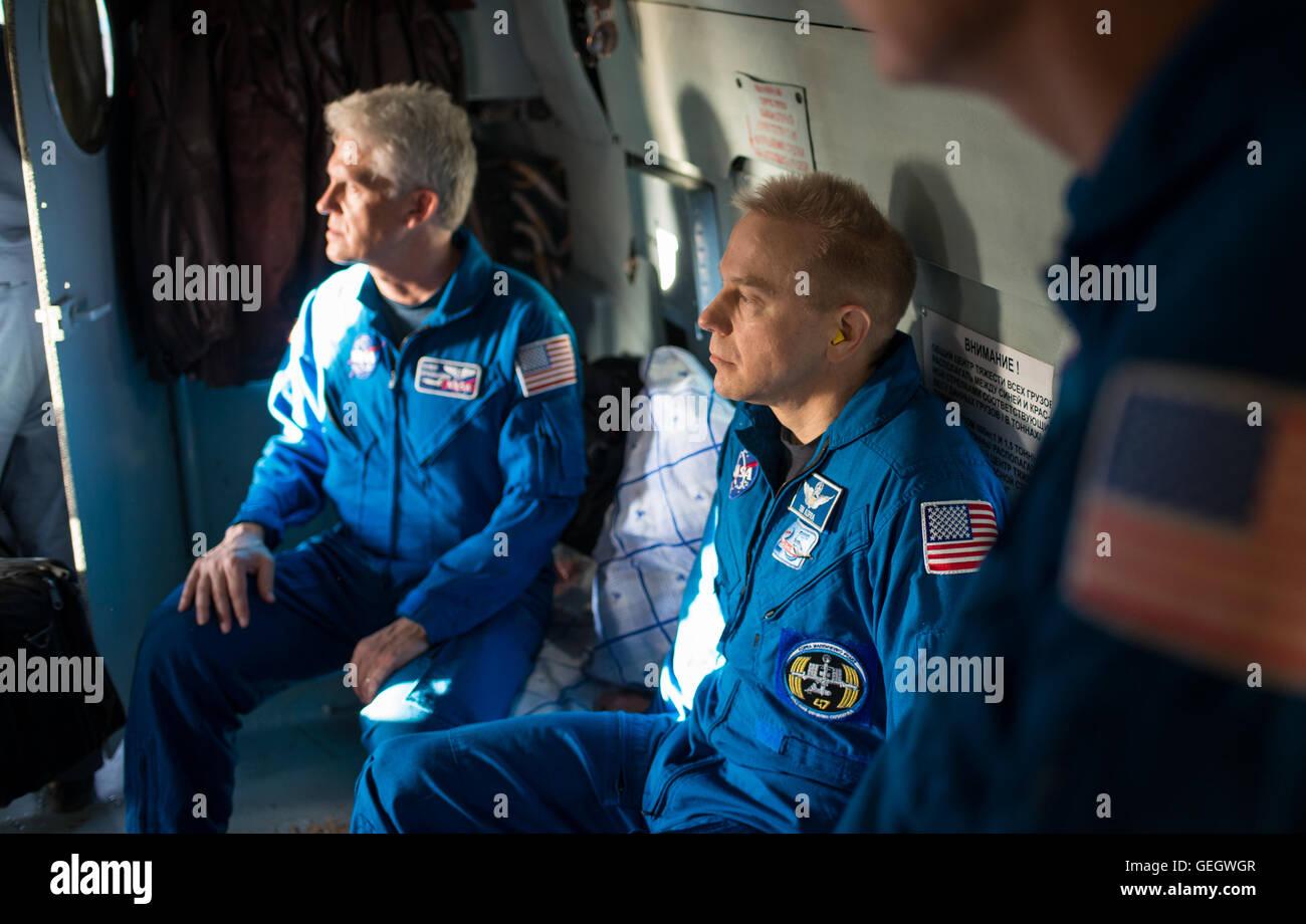 Expedition 47 Soyuz TMA-19M Landing  06180051 - Stock Image