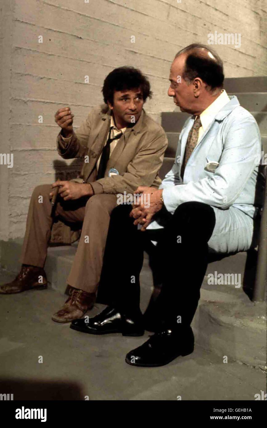 Peter Falk, Jose Ferrer Dr. Marshall Cahill (Jose Ferrer,r) gerät in Verdacht und wird von Lt. Columbo (Peter - Stock Image