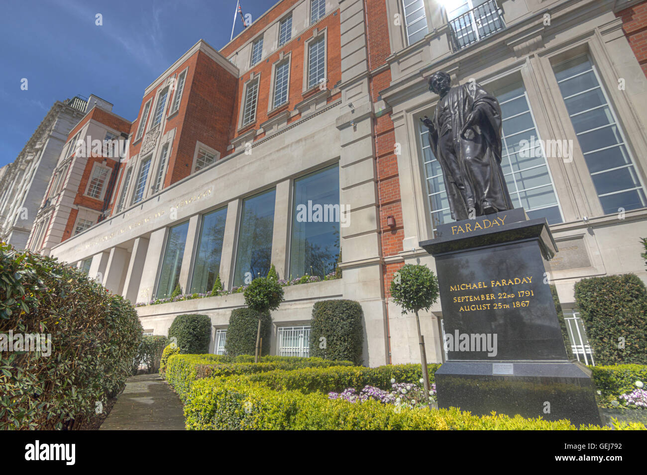 michael faraday institute of electrical engineers london - Stock Image