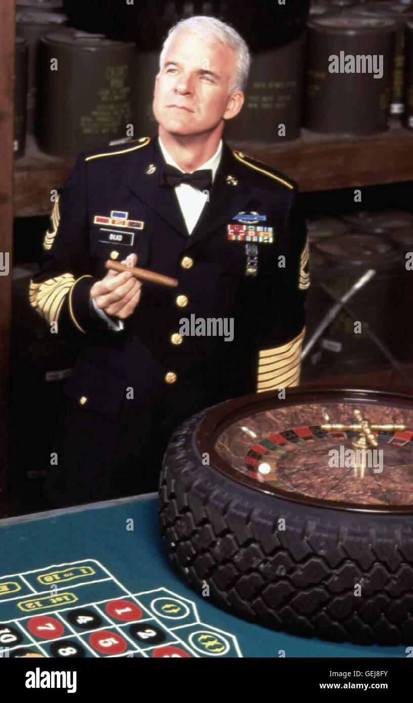 Steve Martin   Weil Sgt. Bilko (Steve Martin) niemand einfaellt, gegen den man einen Krieg vorbereiten koennte, - Stock Image