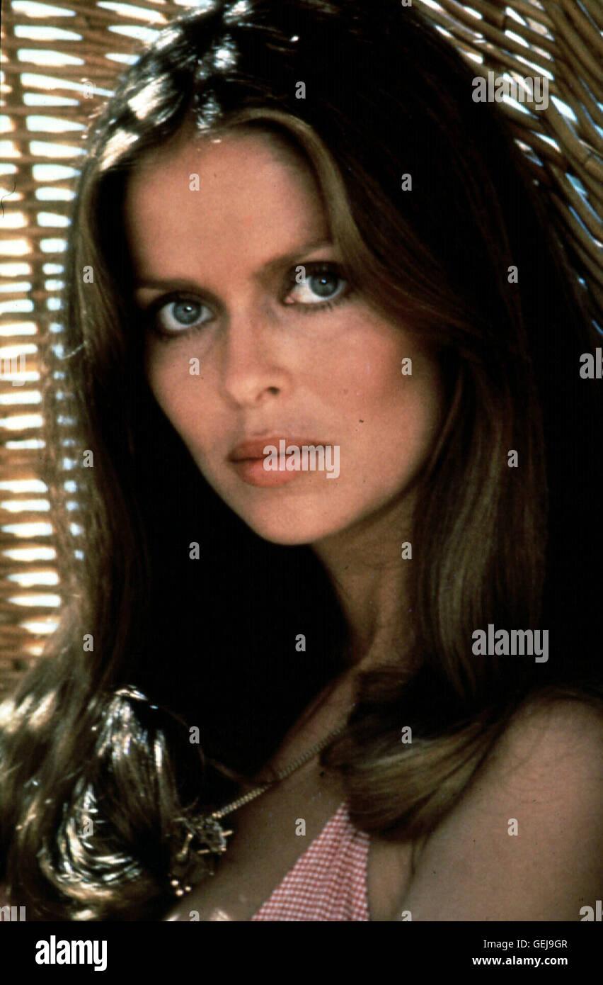 Barbara Bach Die russische Agentin Anya (Barbara Bach) *** Local Caption *** 1977, 1970er, 1970s, Bond Girl, Film, - Stock Image