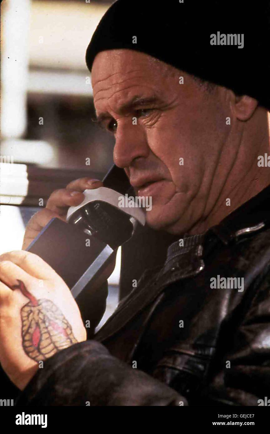 Geoffrey Lewis   Aufgrund von Julies Aussage wurde John Parmanter (Geoffrey Lewis) als Moerder ueberfuehrt und verurteilt. - Stock Image
