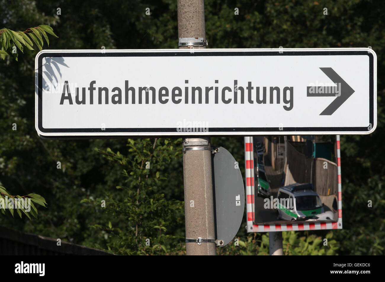 Zirndorf, Germany. 27th July, 2016. A sign reading 'Aufnahmeeinrichtung' at the preliminary reception centre for Stock Photo
