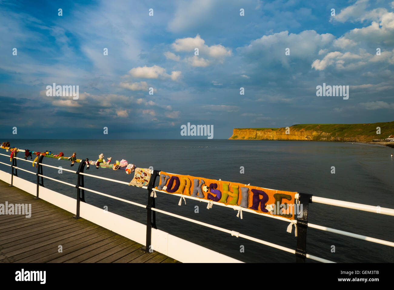 Saltburn Yarn Bombers Knitting on Saltburn Pier Celebrating Yorkshire - Stock Image