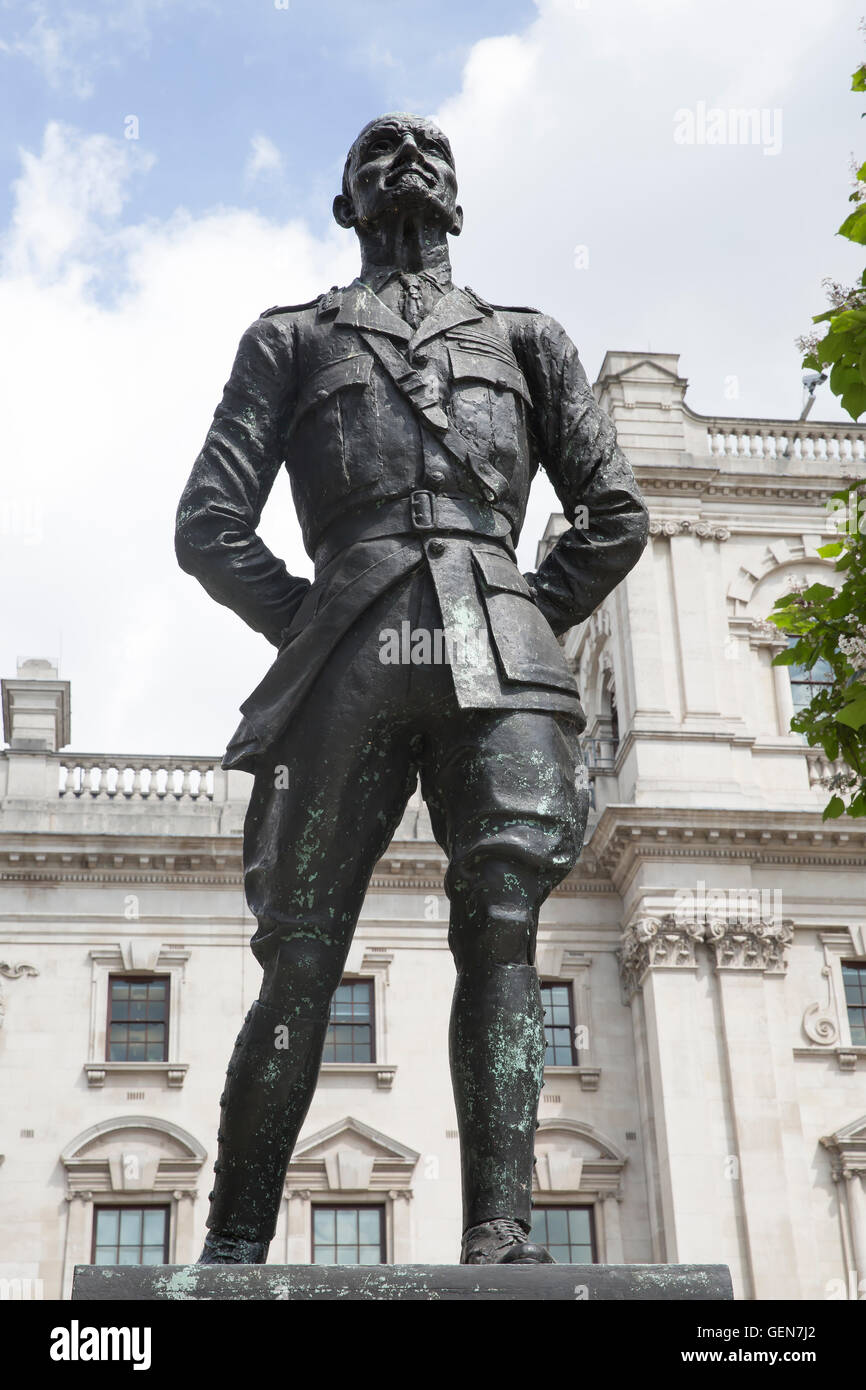 Jan Christian Smuts statue in Parliament Square London - Stock Image