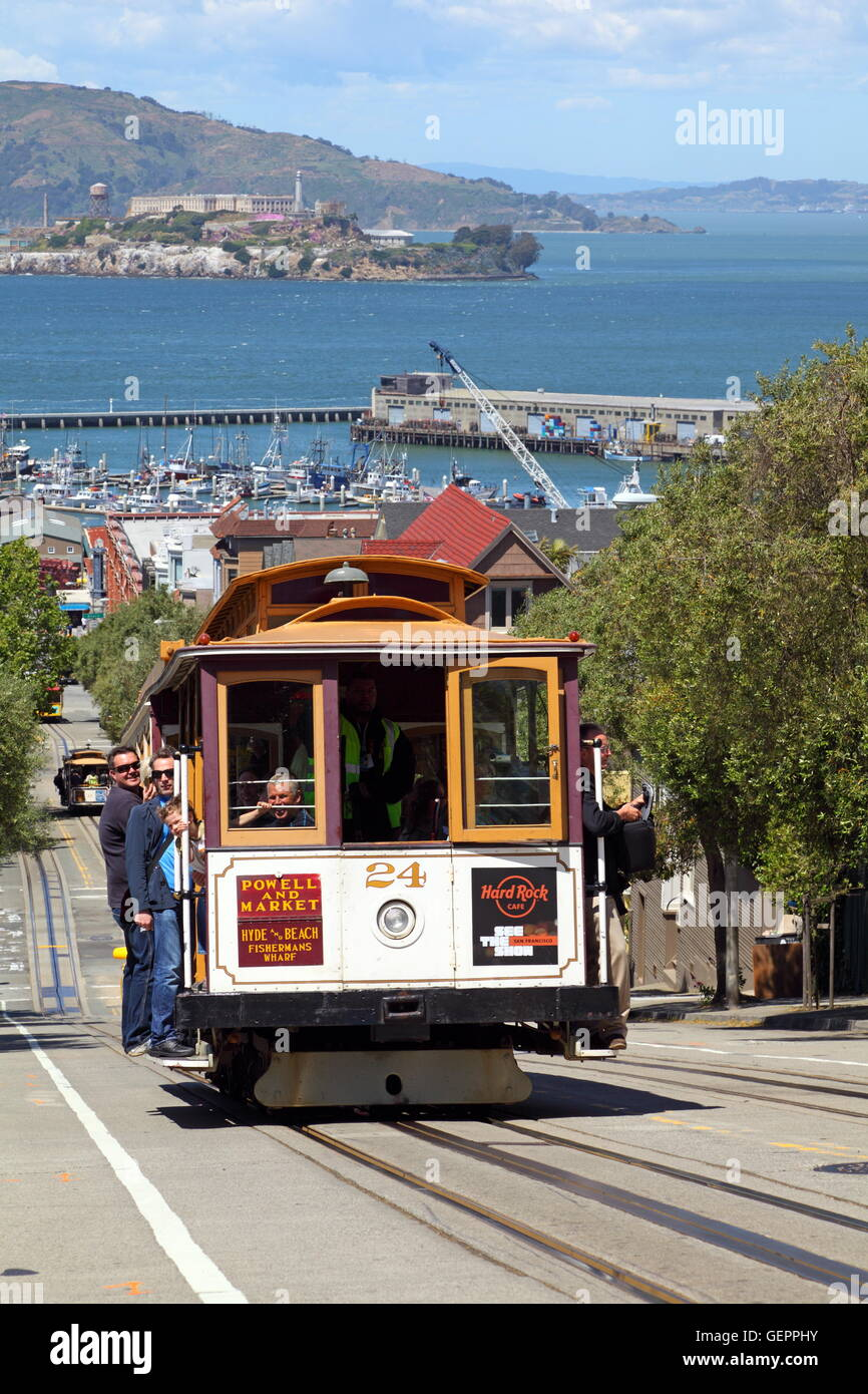 geography / travel, USA, California, San Francisco, Cable Car in the Hyde Street, Alcatraz, - Stock Image
