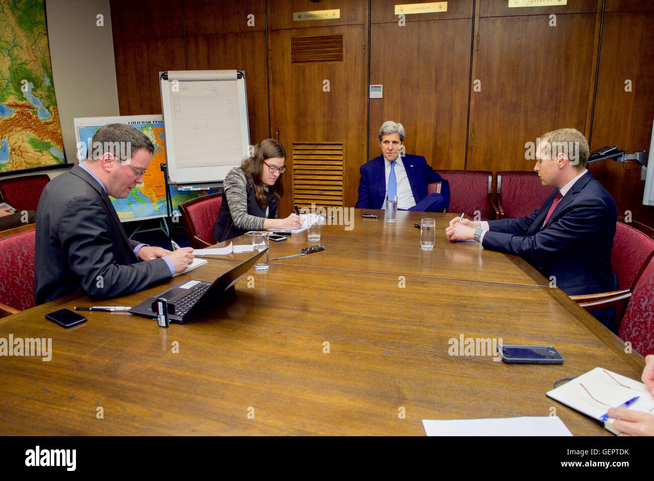 Secretary Kerry Conducts a Reporters' Roundtable Discussion With Journalists From Reuters, The Wall Street Journal, - Stock Image