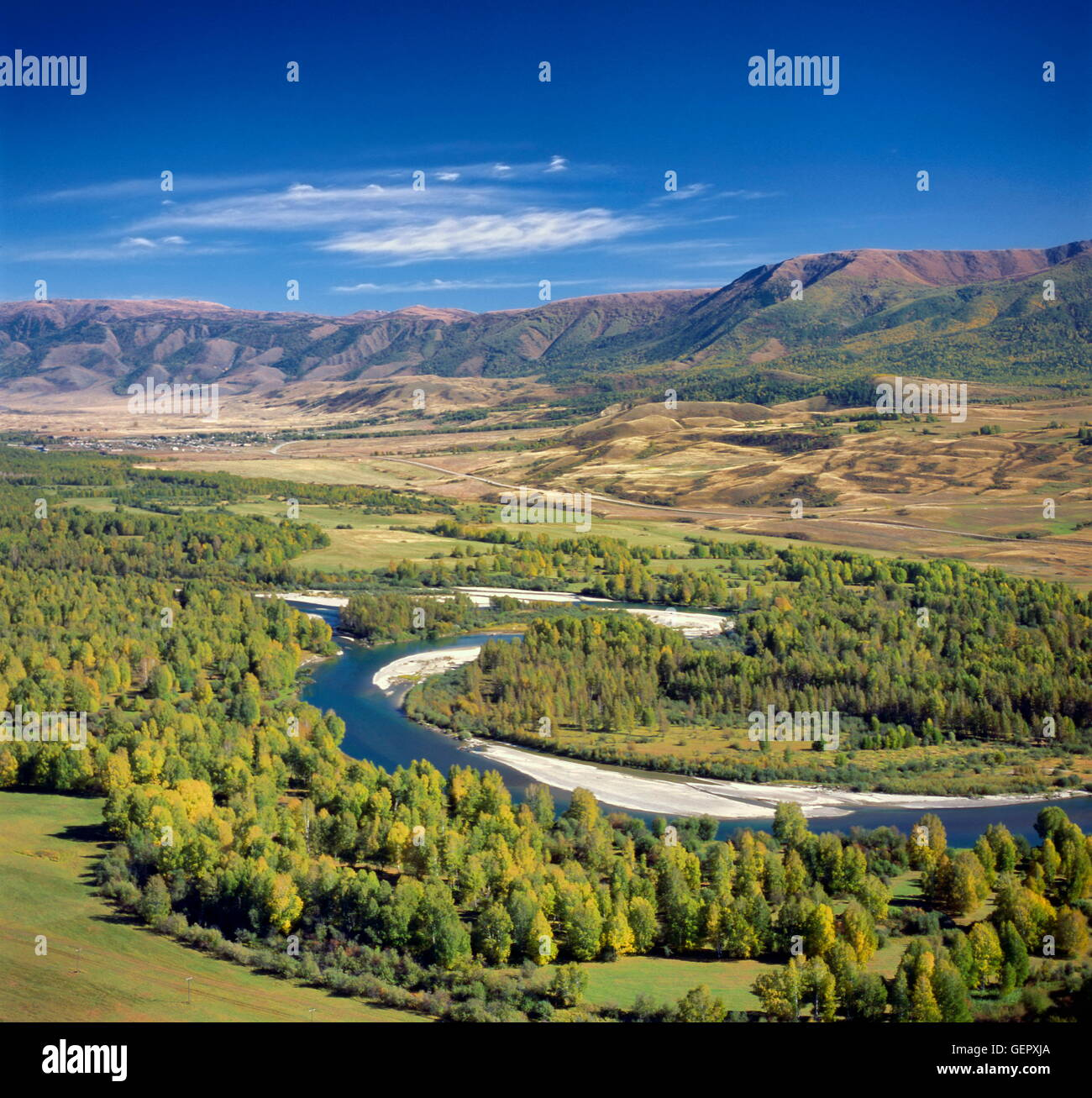 How are lowland rivers from mountainous? Their examples and features 61