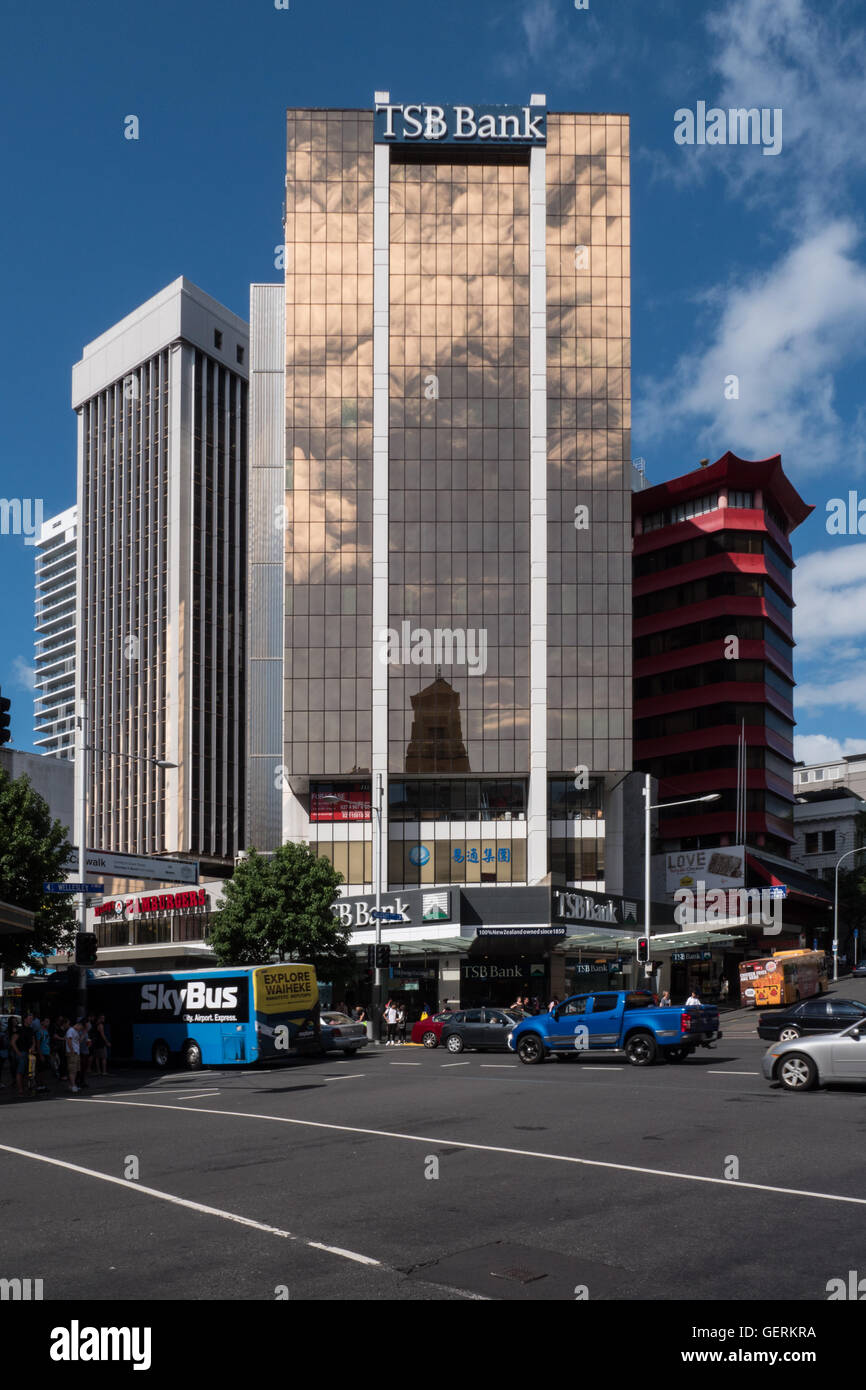 TSB Bank building, Queen and Wellesley Streets, Auckland Central, North Island, New Zealand. - Stock Image