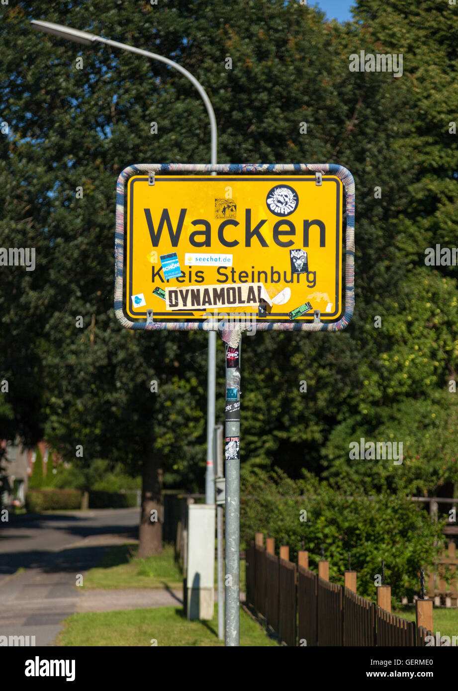 """Wacken, Germany - July 20, 2016: City limits sign of Wacken, home of annual """"Wacken Open Air"""", world's largest Metal - Stock Image"""