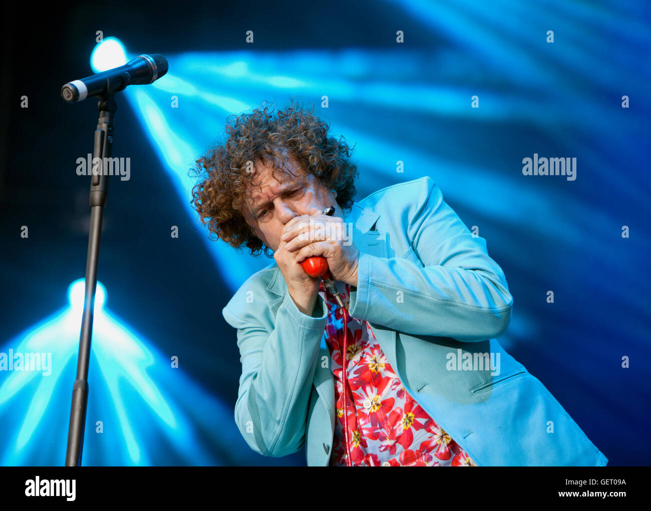 Leo Sayer Sings at The rewind festival sings at The Rewind Festival,Scone Palace,Perth,Scotland,Uk - Stock Image