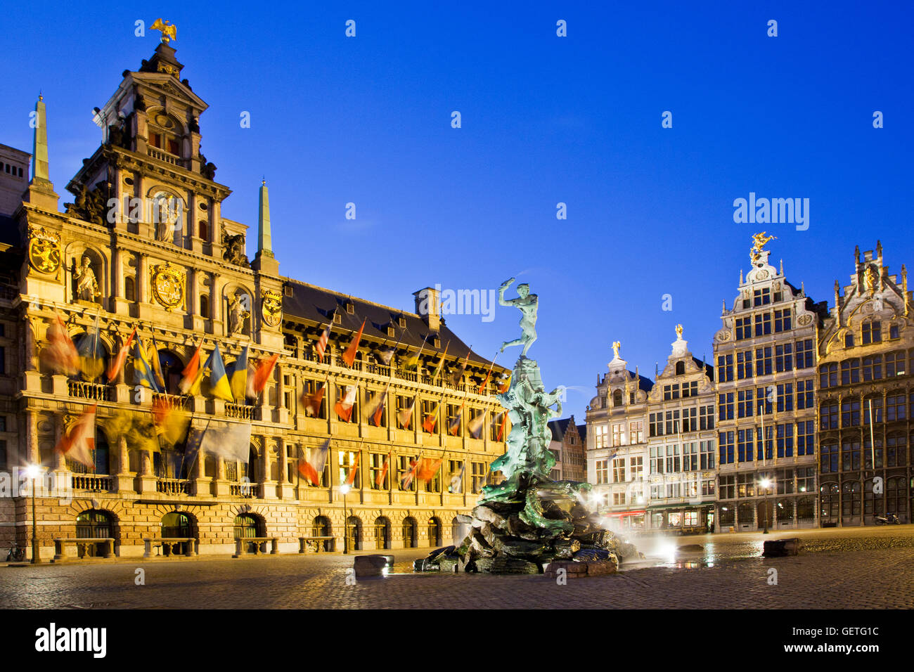 Brabo fountain and medieval houses in the Grote Martk in Antwerp. - Stock Image