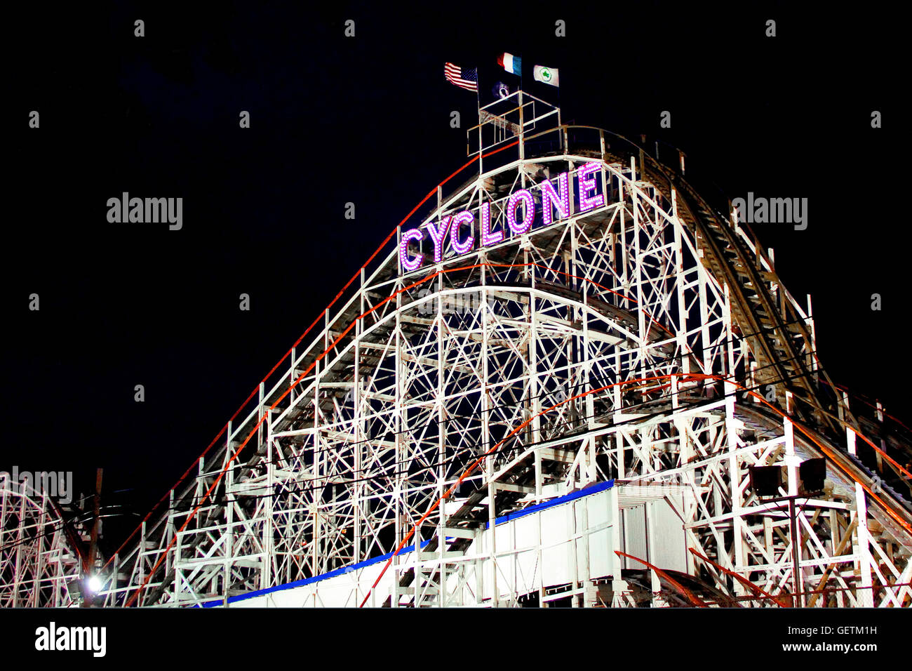The Cyclone Rollercoaster At Coney Island At Night Stock Photo Alamy