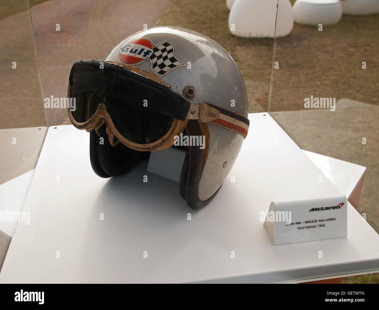 f091a83e 2016 Goodwood Festival of Speed UK - CAN-AM Bruce McLaren race helmet 1966 -