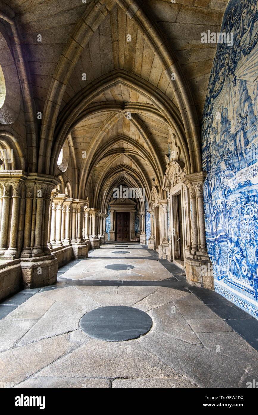 The 14th Gothic cloister with azulejos tilework, Porto Cathedral or Se do Porto, Porto, Portugal Stock Photo