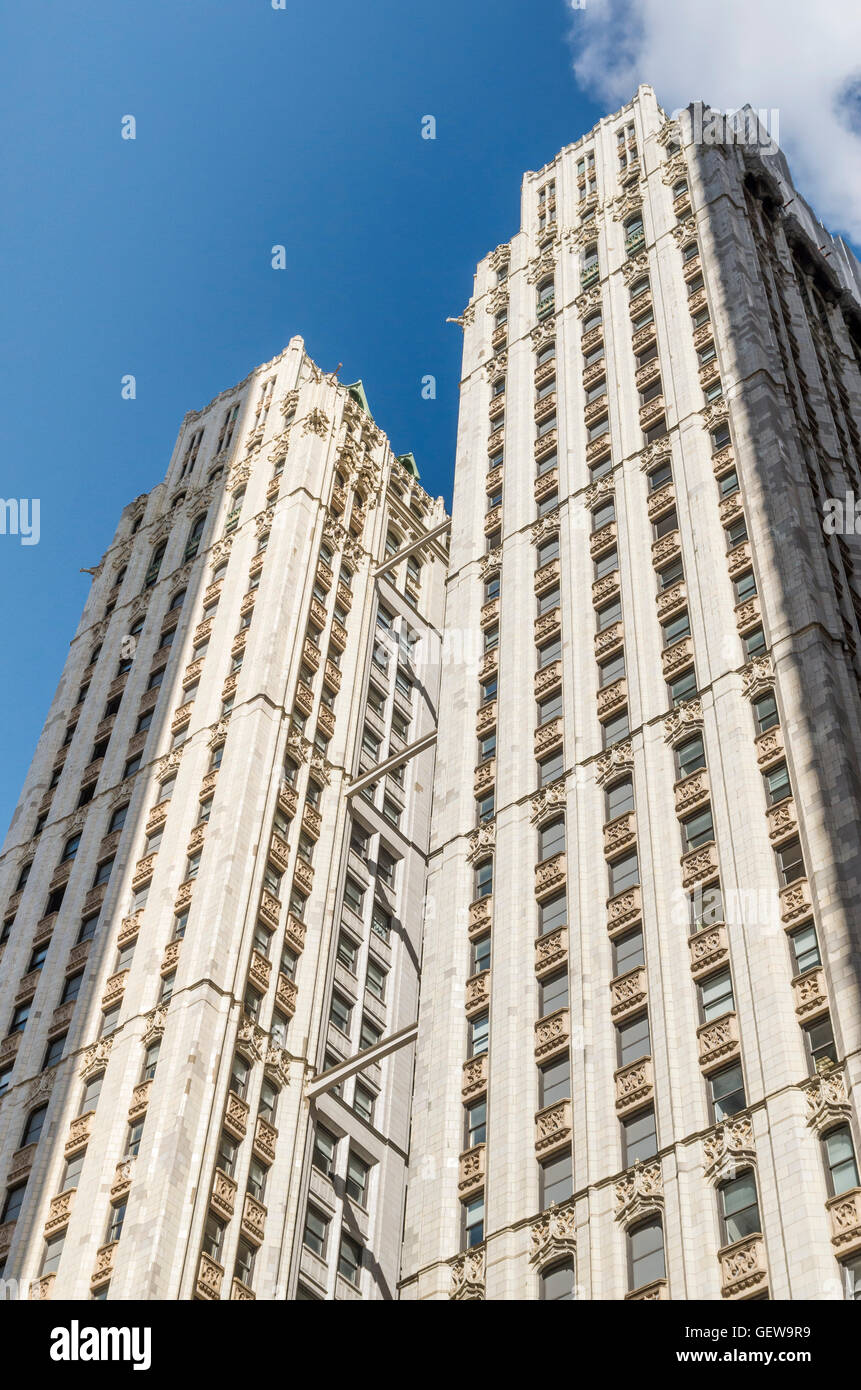 View looking up at the exterior rear facade of the Woolworth Building, New York. - Stock Image