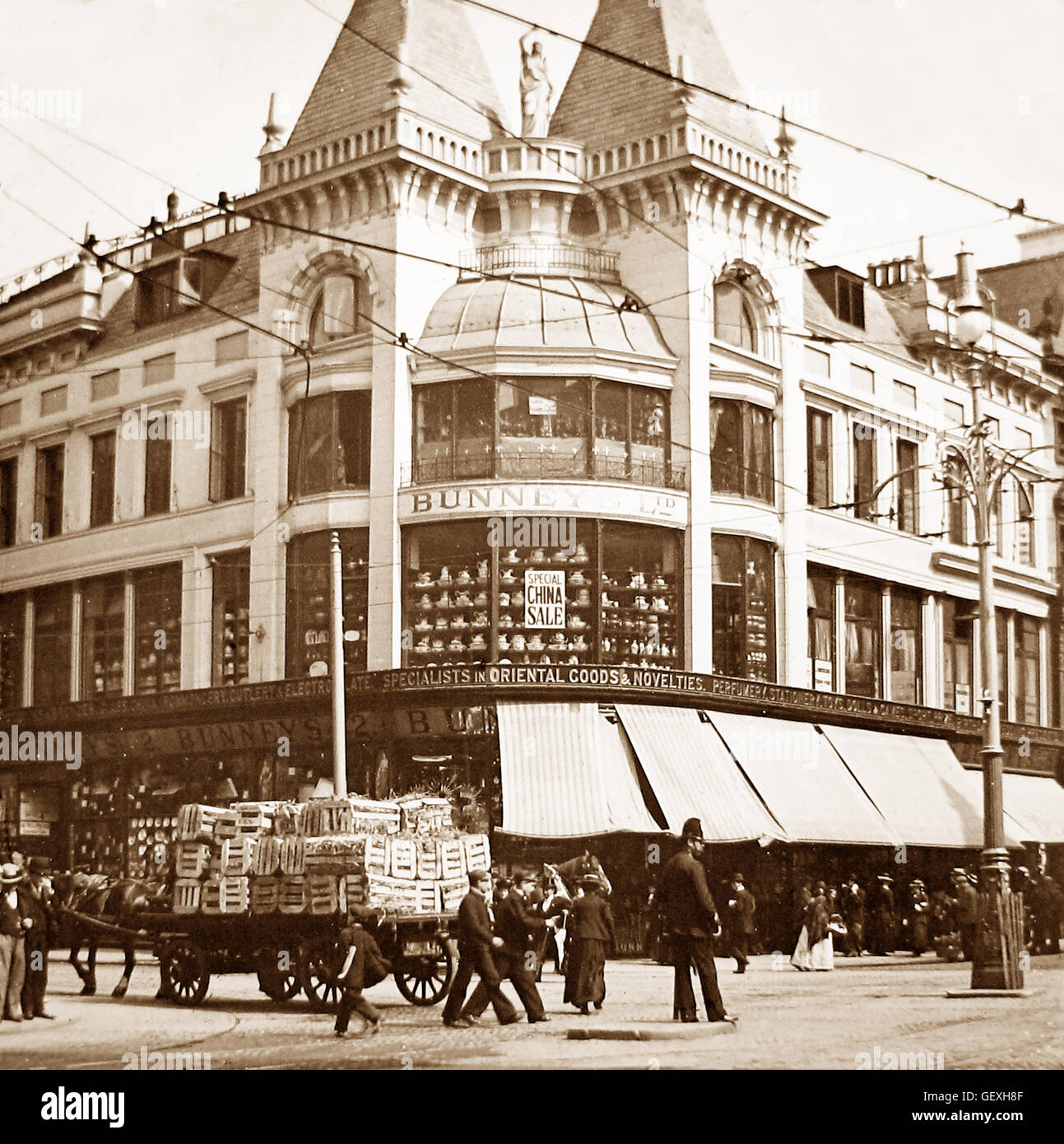 Bunney's Department Store, Liverpool - early 1900s Stock ...