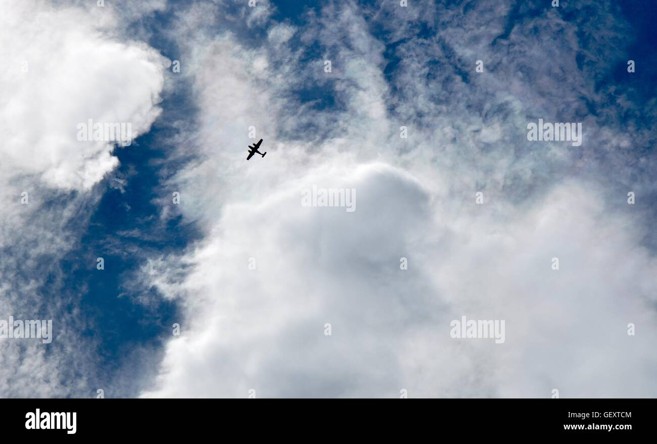 Clouds Below Airplane Stock Photos Amp Clouds Below Airplane