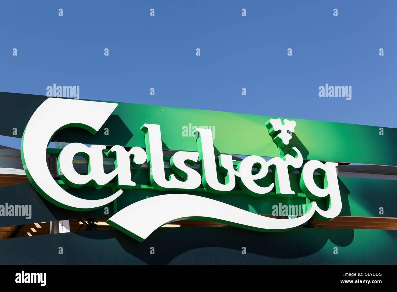 Carlsberg logo on a wall - Stock Image