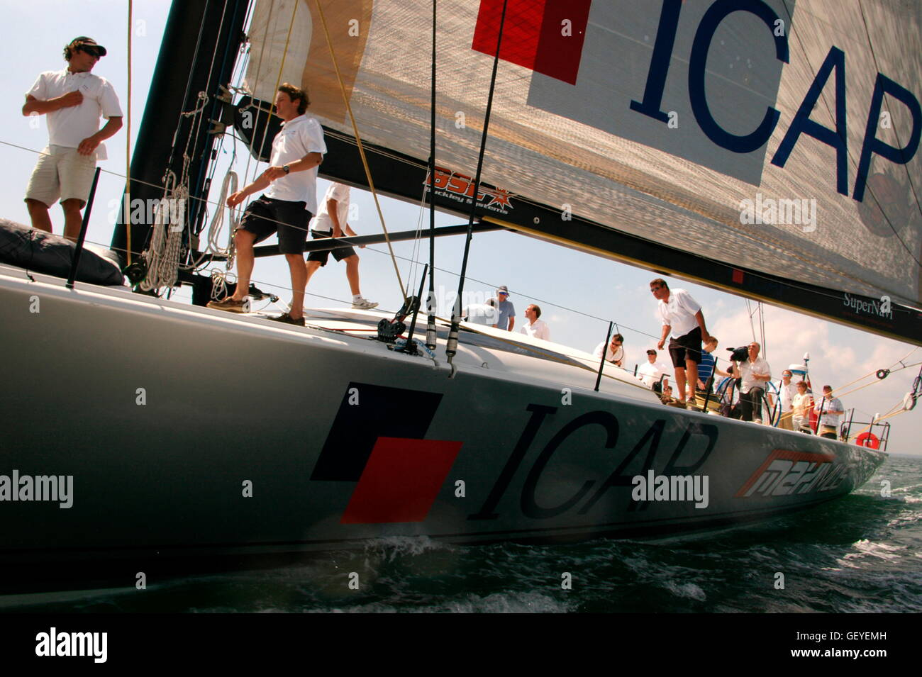 AJAX NEWS PHOTOS. 2005. SOLENT, ENGLAND. - 30M THOROUGHBRED RACER - ICAP-MAXIMUS (NZ) DESIGNED BY GREG ELLIOTT AIMS Stock Photo