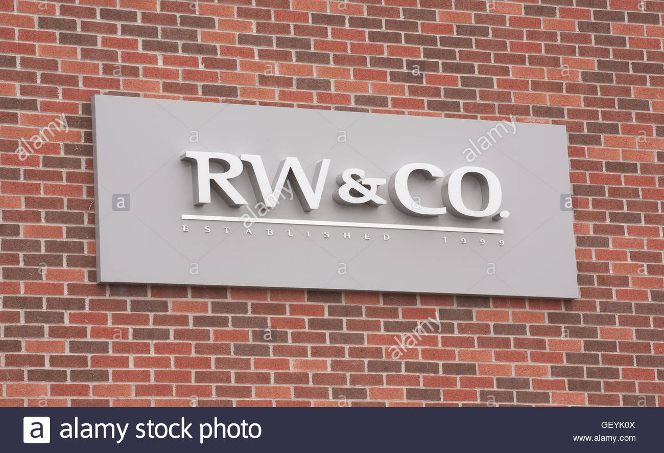 DARTMOUTH, CANADA - JULY 24, 2016: RW & CO. is a clothing and accesories retailer. - Stock Image