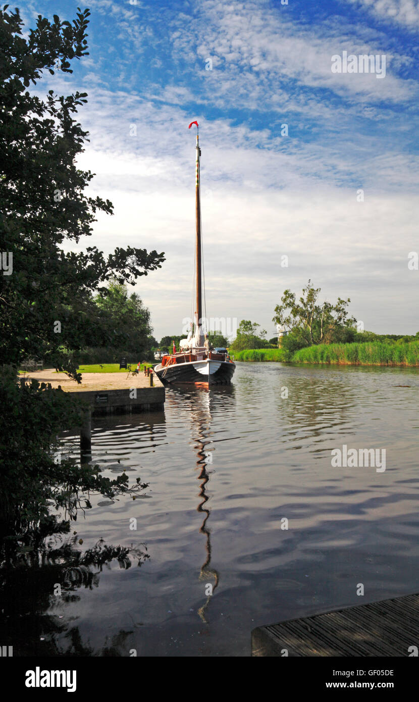 A view of the Norfolk Pleasure Wherry, Hathor, moored on the River Ant by How Hill, Ludham, Norfolk, England, United Stock Photo