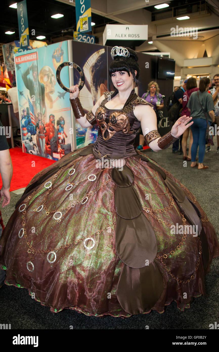 Cosplayer Bernadette Bentley wearing her self-designed Xena the ...