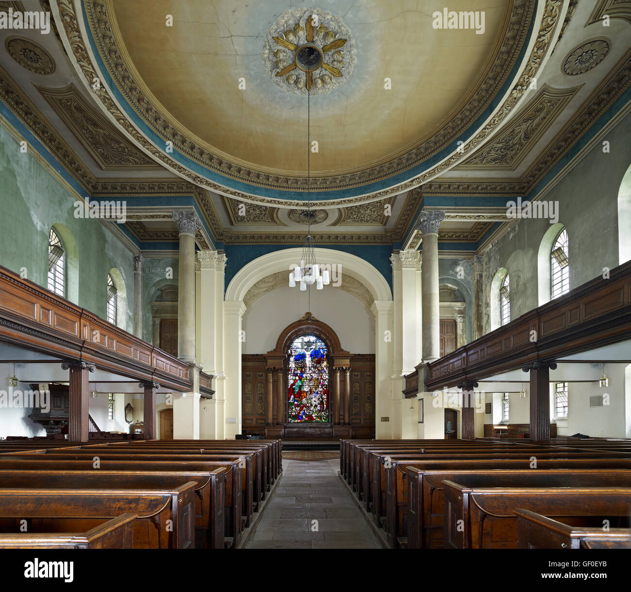 St Anne's Limehouse nave to east; by Nicholas Hawksmoor 1714-27. - Stock Image
