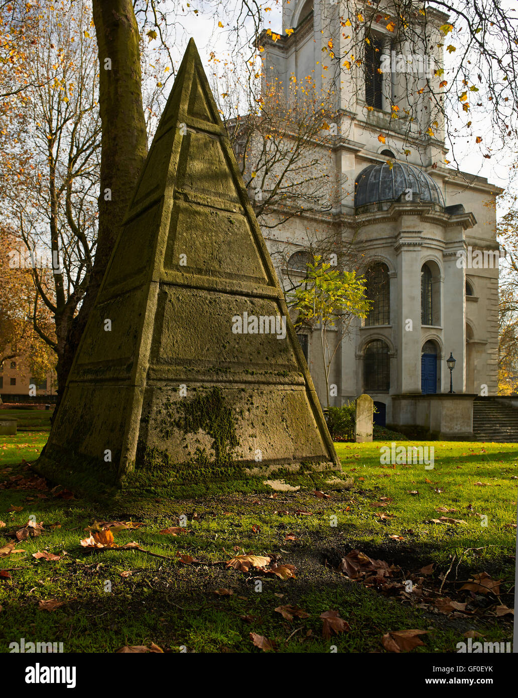 St Anne's Limehouse pyramid; by Nicholas Hawksmoor 1714-27. - Stock Image